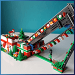 Module LEGO GBC: Old Chain and Chairs Christmas Conveyor Belt de mickthebricker - LEGO Great Ball Contraption - Planet-GBC