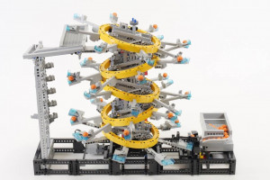 Five Tilted Rings - Lego Great Ball Contraption (LEGO GBC), from Akiyuki - Building Instructions - Planet GBC