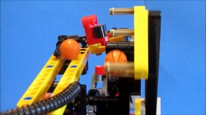 LEGO Technic - The Witch - GBC module [HD] 075